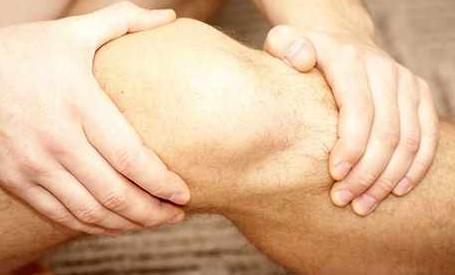 صورة تعرف علي اضرار حقن خشونة الركبة واسماء حقن الركبة
