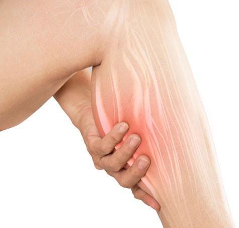 صورة شرح لكيفية علاج الشد العضلى فى السمانة